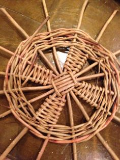 Beginning of Sciob willow basket