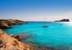 www.viajessonsecatours.es IBIZA