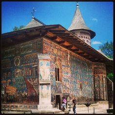 Mănăstirea Voroneț in Voroneț, Suceava Moldova, Exterior Paint, Romania, Barcelona Cathedral, Bb, Louvre, Around The Worlds, Architecture, Building