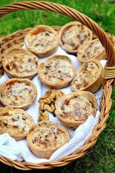 Paleo diós-almás kosárka muffinformában sütve recept Paleo Dessert, Dessert Recipes, Deserts, Muffin, Cookies, Breakfast, Cukor, Dios, Kuchen