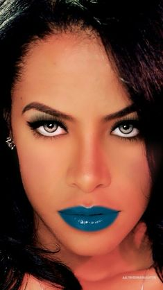 This pic is so amazing! Beautiful Black Girl, Beautiful Eyes, Beautiful People, Beautiful Women, Aaliyah Pictures, Rip Aaliyah, Aaliyah Haughton, Hip Hop And R&b, Female Singers