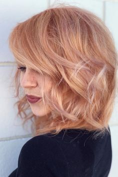 Beautiful Strawberry Blonde Hair Color Ideas Half And Half Hair Color Beautiful blonde COLOR hair Ideas Strawberry Strawberry Blonde Hair Color, Blonde Color, Stawberry Blonde, Reddish Blonde Hair, Rose Blonde Hair, Blonde Hair With Copper Highlights, Strawberry Blonde Hairstyles, Blonde Hair Bangs, Cool Toned Blonde Hair