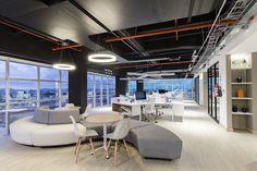 Oficinas de Vilaseca en Ecuador Diseño, cosntrucción y decoración realizados por AEI Arquitectura e Interiores  #Offices #Design #Architecture