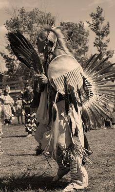 Native americans: The taste of Petrol and Porcelain | Interior design, Vintage Sets and Unique Pieces www.petrolandporcelain.com