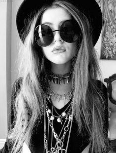 Découvrez des bijoux fantaisie tendance et idées cadeau bijoux femme. Les colliers et bracelets tendance à prix mini #bijoux #colliers #braceletsfantaisie #cadeauxbijoux #paris