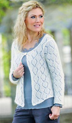 Fnuglet mohairgarn og hulmønster gør denne enkle trøje til et let og lækkert indslag i garderoben