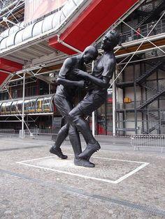 zizou_zinedine_zidane_head_butt_statue.jpg (465×620)