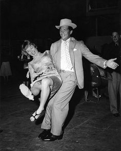 Dean Martin & Shirley MacLaine Have Fun Together.