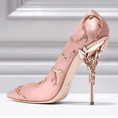That @ralphandrusso heel is just pure magnificence!