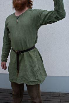 Hand sewn viking age linen tunic by Henrik Nordholm… Viking Garb, Viking Reenactment, Viking Men, Medieval Costume, Norse Clothing, Medieval Clothing, Historical Clothing, Boy Doll Clothes, Viking Culture