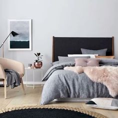Cool 40 Modern and Stylish Scandinavian Bedroom Decor Ideas for Teenage https://homeastern.com/2017/07/13/40-modern-stylish-scandinavian-bedroom-decor-ideas-teenage/