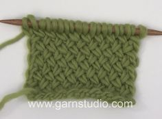 Garnstudio Drops design's Videos on Vimeo Knitting Videos, Knitting Charts, Knitting Stitches, Knitting Patterns, Crotchet Patterns, Stitch Patterns, Knitting Designs, Knitting Projects, Garnstudio Drops