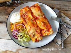 Enchiladas med kylling - Fra mitt kjøkken Enchiladas, Lasagna, Salsa, Ethnic Recipes, Food, Essen, Salsa Music, Meals, Yemek