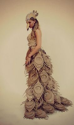 Super Ideas Fashion Design Inspiration Projects Wearable Art - Electronics gadgets,Electronics apple,Electronics for teens,Electronics organization,Electronics projects Paper Fashion, Diy Fashion, Ideias Fashion, Fashion Mode, Moda Fashion, Fashion Ideas, Cardboard Sculpture, Cardboard Art, Paper Clothes
