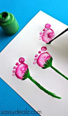 Flower Pot Craft using Kid's Footprints - Sassy Dealz Flower footprint craft. Festive and adorable. (And who doesn't love getting a little messy in the name of art?) Need great tips and hints concerning arts and crafts? Kids Crafts, Daycare Crafts, Baby Crafts, Cute Crafts, Toddler Crafts, Crafts To Do, Preschool Crafts, Arts And Crafts, Infant Crafts