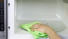 Een magnetron behoort tot een van de meestgebruikte apparaten in de keuken. Hierdoor is het verstandig om de magnetron regelmatig schoon te maken. Dit is niet alleen een stuk hygiënischer, maar het zorgt ook voor een langere levensduur van de magnetron. Makkelijk de magnetron schoonmaken Veel mensen denken dat het regelmatig schoonmaken van een magnetron …