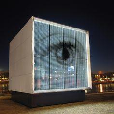 Glas Platz GmbH & Co. KG - powerglass® media facade / Cube | Turmuhr