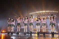 初の東京ドーム単独公演で5万人を熱狂させた少女時代