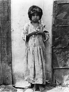 Tina Modotti, Bambina messicana, 1928.jpg -