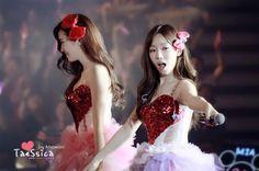 Snsd - Jessica & Taeyeon #Taesic #TaengSic