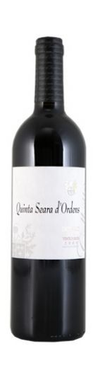 """O vinho apresenta uma cor sólida, com aromas envolventes ecom nuances exóticas. Apresenta taninos firmes eenvolventes, comboacomplexidade.É um vinho intenso, maduro, específico do """"Terroir""""do Douro, prevê-se um envelhecimento positivo nagarrafa durante 6 a 8 anos após o engarrafamento.Acomopanha com carnes vermelhas, assados, enchidos tradicionais equeijos de ovelha amanteigados."""