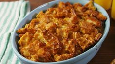 Chicken 'n Waffles Casserole (easy food recipes casseroles) Waffle Recipes, Brunch Recipes, Dinner Recipes, Brunch Food, Brunch Menu, Chicken And Waffle Casserole Recipe, Breakfast Casserole, Breakfast Quiche, Sauerkraut