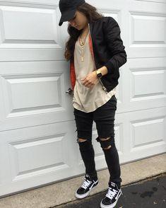 Tomboy swag, tomboy chic, hypebeast girl, hypebeast outfit, cute tomboy out Tomboy Mode, Tomboy Girl, Tomboy Chic, Tomboy Swag, Tomboy Style, Girl Style, Cute Tomboy Outfits, Swag Outfits, Girly Outfits