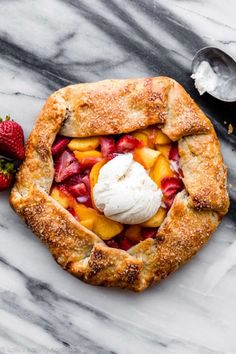 This strawberry peach galette is made with an all butter homemade dough. It's flaky and juicy with fresh summer fruit. Much easier and quicker than pie! Fruit Recipes, Sweet Recipes, Baking Recipes, Baking Ideas, Cake Recipes, Dessert Recipes, Great Desserts, Delicious Desserts, Diabetic Desserts