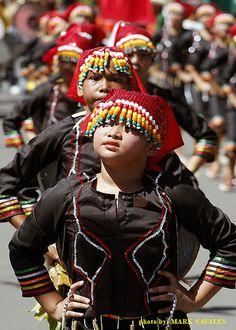 T'nalak Festival Subanen - Subanon people - Wikipedia Circlet, Fascinator, Hair Pins, Punk, People, Google Search, Style, Food, Fashion