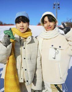 "yoongi pics on Twitter: ""with hobi 🐱🌞… "" Foto Bts, Bts Photo, Hoseok Bts, Bts Jungkook, Bts Ships, J Hope Smile, Jhope Cute, Min Yoonji, About Bts"