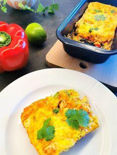 Omelett bakt i ovn, er en super enkel måte å få en perfekt omelett! Cloud Bread, Super, Bacon, Omelette, Red Peppers, Pork Belly