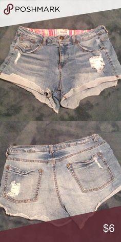 Muddy shorts. Size 11. Muddy shorts. Size 11. Light wash. Mudd Shorts Jean Shorts