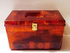 I had a sewing box exactly like this.