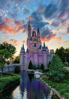 Disney Vacations, Disney Trips, Disney Art, Disney Movies, Walt Disney, Disney Cruise, Viaje A Disney World, Disney World Pictures, Disney Background