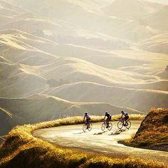Buenos dias! Um ótimo final de 2013 para todos! Desejamos um 2014 com muitas pedaladas, saúde e paz. #cycling #ciclismo