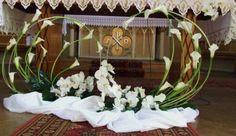 Church Wedding Flowers, Altar Flowers, Church Wedding Decorations, Altar Decorations, Funeral Flowers, Flower Decorations, Tropical Wedding Centerpieces, Flower Centerpieces, Easter Flower Arrangements