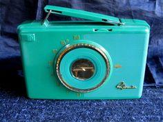 Sylvania Vintage portable tube radio with original leather case nice 50s retro!!