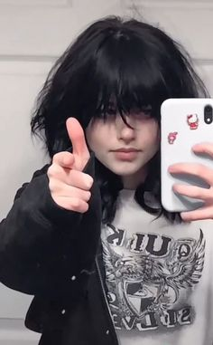 Aesthetic Grunge Outfit, Aesthetic Hair, Cut My Hair, Hair Cuts, Your Hair, Hair Inspo, Hair Inspiration, Mode Emo, Image Halloween