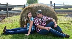 Love hay bales...love their expression