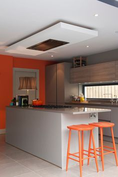 How To Incorporate Contemporary Style Kitchen Designs In Your Home Taupe Kitchen, Orange Kitchen, New Kitchen, Kitchen Ideas, Kitchen Reno, Kitchen Inspiration, Modern Kitchen Lighting, Farmhouse Kitchen Lighting, Kitchen Extractor