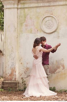 Blush wedding dress | So romantic and elegant | Photography: In Love In Italy Photography