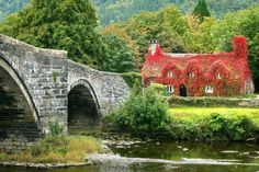 Tu Hwnt i'r Bont at the gateway of Snowdonia is a unique and beautiful Welsh Tea Room not to be missed. Built in 1480, it is actually older than the bridge it sits next to!