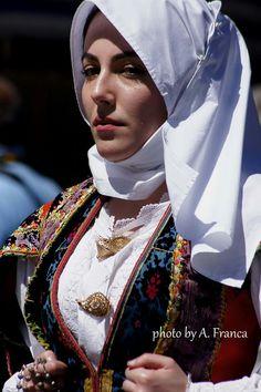 Antico costume a festa di Orune( NU)