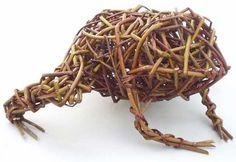 willow random weave frog -- by caroline gregson
