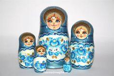 Google Afbeeldingen resultaat voor http://static.aanbodpagina.nl/img/189/russische-matroesjka-matrjosjka-blauwe-bloemen1.jpg