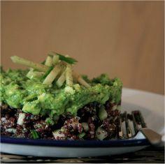 #RedQuinoa #GreenApple & #Avocado #Salad #GlutenFree #DairyFree #Vegan #Proteins for #BeautifulSkin and #HappyTummy  الصحن النباتي # الغني بالبروتينات و المكون من حبوب كينوا  الحمراء # التفاح الأخضر # سلطة الأفوكادو اضافة انه     خالي من الغلوتين ومشتقتات الألبان # # لبشرة رائعة ومعدة مرتاحة
