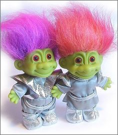 Little green guys! I used to have the one with the fiery orange-red hair! Space Grunge, Cute Fantasy Creatures, Green Pictures, Troll Dolls, Hello Dolly, Ancient Aliens, Beautiful Dolls, Vintage Toys, Cute Art