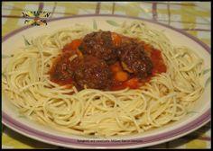 Spaghetti and meat balls - Jamaican food http://jamaicandinners.com/