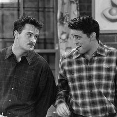Matt LeBlanc and Matthew Perry in Friends Friends Tv Show, Tv: Friends, Chandler Friends, Friends Cast, Friends Episodes, Friends Moments, Friends Series, I Love My Friends, Tv Episodes