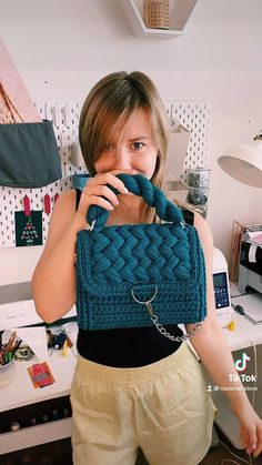 Diy And Crafts Sewing, Crochet Bags, Beautiful Crochet, Free Sewing, Luxury Handbags, Beautiful Patterns, Chanel Boy Bag, Sustainable Fashion, Fashion Brand